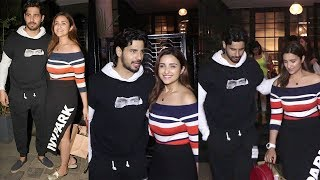 Siddharth Malhotra & Parineeti Chopra For Dinner Date At Soho House Mumbai