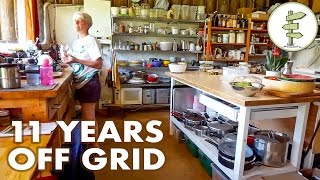 Download Youtube: 11 Years Living Off-Grid in an Earthship Style House
