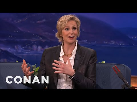 """President Obama Recognized Jane Lynch From """"The 40-Year-Old Virgin"""" – CONAN on TBS"""