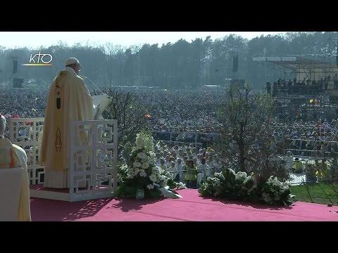 Messe célébrée par le Pape François au Parc di Monza de Milan