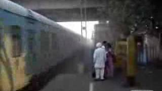 Lucky Indian Couple escapes death- Our Indian Public transport system- Secure of suicidal?