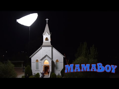 MamaBoy (Behind the Scenes 'Lighting')