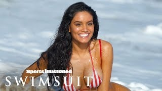 Watch Anne de Paula Get Washed Away By A Wave In 360   Swimsuit VR   Sports Illustrated Swimsuit