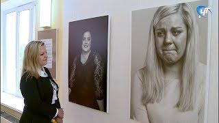В Новгородском центре современного искусства открылась экспозиция, посвященная мамам больных детей