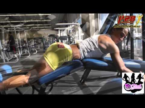 Isabella Ferrari Trains Legs and Glutes
