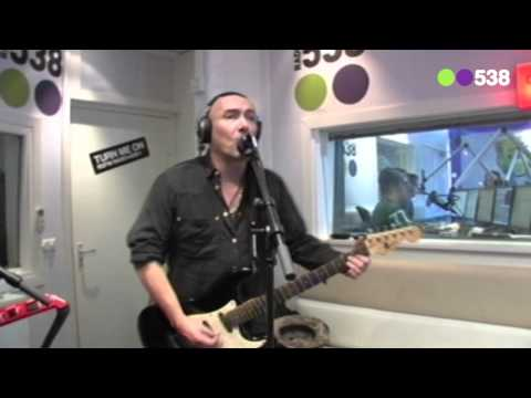 Radio 538: Time Bandits - I'm specialized in you (live bij Evers Staat Op)