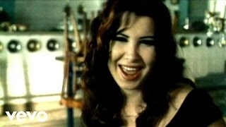 Akhsmak Ah - Nancy Ajram (Video)