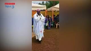 Priest drops bars as he delivers sermon through rap music
