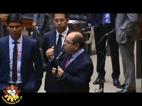 Valmir Prascidelli Deputado Federal pelo PT-SP parabeniza o Prefeito Arizinho pelo Microfone dos Deputados na Assembleia em Brasília