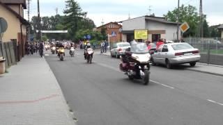 preview picture of video 'II Widawski Zlot Motocyklowy - przejazd ulicą Kiełczygłowską w Widawie'