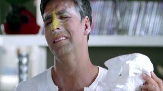 Akshay Kumar and his friends cannot handle a kid | Heyy Babyy