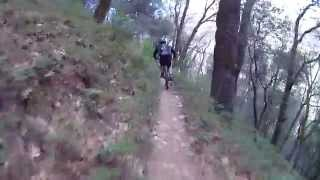 Riding down the singletrack from Round Mountain to the South Yuba River trail