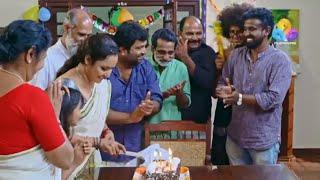 നീലുവിന്റെ പിറന്നാളിന് ബാലുവിന്റെ സർപ്രൈസ് ഗിഫ്ട്.! ഒരു ഒന്നൊന്നര ഗിഫ്ട് ആയി പോയി | UM | Viral Cuts