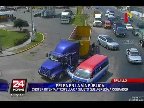 Trujillo: cobrador de combi se pelea con pasajero y chofer intenta atropellarlo