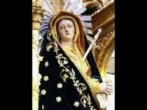 Miracolo: una statua della Madonna apre e chiude gli occhi video