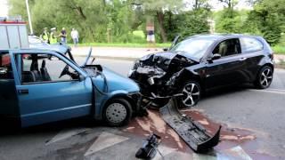 Zderzenie dwóch samochodów w Krośnie