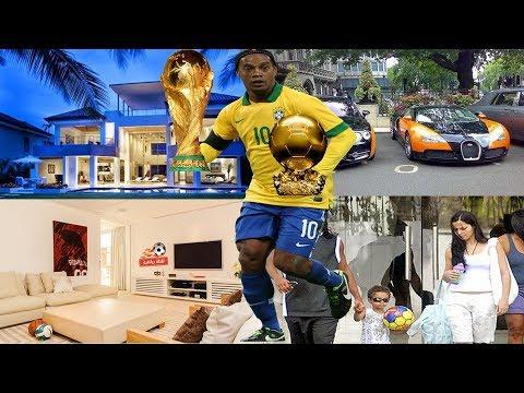 كم تبلغ ثروة رونالدينيو ؟ وهل افلس بعد اعتزاله كره القدم ؟