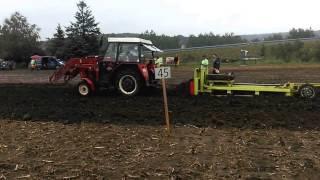 preview picture of video 'Zetor 5211 - Ackerpulling in Niederau 2014 rev.2'