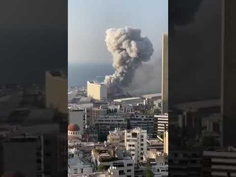 Forte explosão mata muitas pessoas e deixa centenas feridas