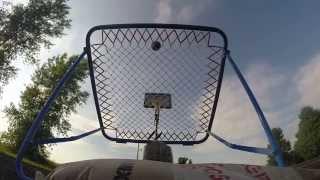 Le lancer de basket-ball double-trampoline
