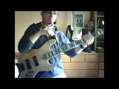 Bass Lesson: Groove Essentials: Sexy Sliding 5ths Fill.