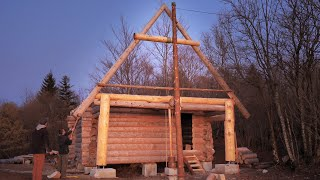 Building Off Grid Log Cabin - S 2 Ep 4 / The First Roof Triangle is Up!