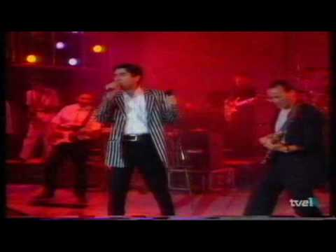 El blues de lo que pasa en mi escalera - Joaquin Sabina en directo