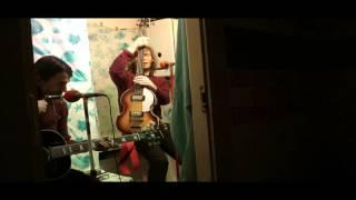 Video The Colleas - Koupelnový akustický koncert - 1.část