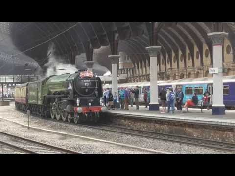 LNER A3 60103 'Flying Scotsman' & A1 60163 'Tornado' at York…