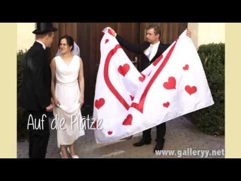 Hochzeitsherz ausschneiden - Hochzeitsspiele mit dem Brautpaar