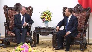 Thủ tướng Nguyễn Xuân Phúc tiếp Bộ trưởng Bộ Thương mại quốc tế Vương quốc Anh và Bắc Ai-len