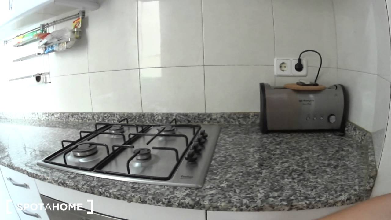 Modern 2-bedroom apartment with large terrace for rent in El Born, Barcelona