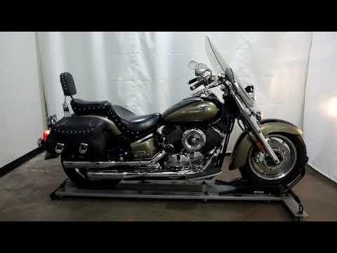 2005 Yamaha V Star® 1100 Classic in Eden Prairie, Minnesota - Video 1
