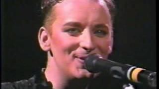 Boy George - Victims (live) Dominion