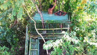 Building amazing swimming pool on the trees