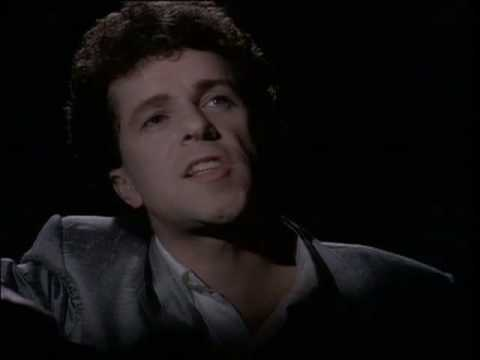 Leo Sayer - Unchained Melody [Official Video]