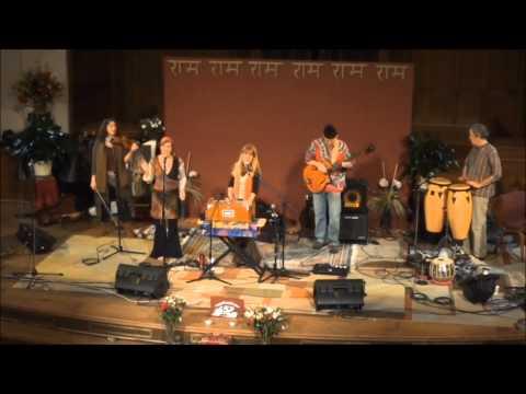 Hare Krishna / Sita Ram / Jai Jadadambe Mix with Chaitanya Kirtan-ChantLanta 2013