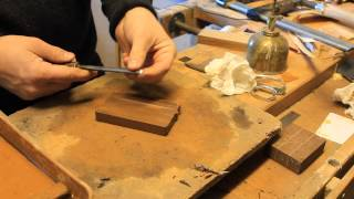How To Sharpen Gouges  With A Bit Of A Twist At The End