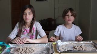 KINETIC SAND 2 Ways | CRAFT Idea for Kids - Video Youtube