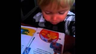Виталик читает. 3 года 8 месяцев.