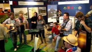 Folk & Grott video preview