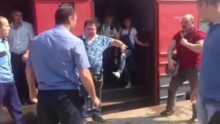 Контроль-охрана избивает пассажиров