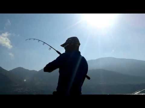 Russo che pesca in 3.6 Armenia piccolo fritto