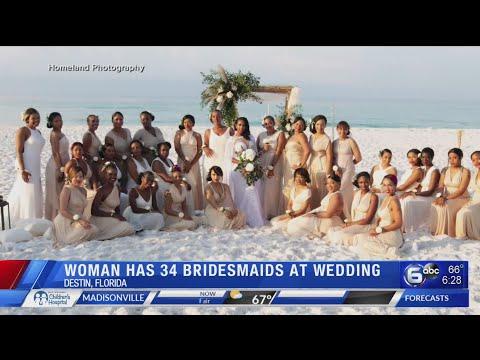 Bride has 34 bridesmaids at Florida wedding