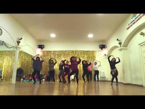 "[Behind the Scenes] TWICE(트와이스) - ""Heart Shaker"" | Dance Practice Version"