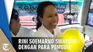 Rini Soemarno Swafoto dan Beri Mainan kepada Peserta Mudik Bareng BUMN 2019