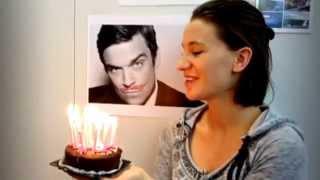 Kiss me Robbie Williams!