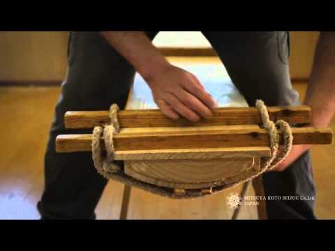 The making of a Japanese Koto