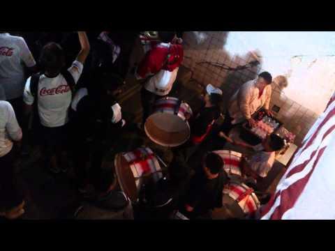 """""""Muerte Blanca previa en el atahualpa 2014"""" Barra: Muerte Blanca • Club: LDU"""