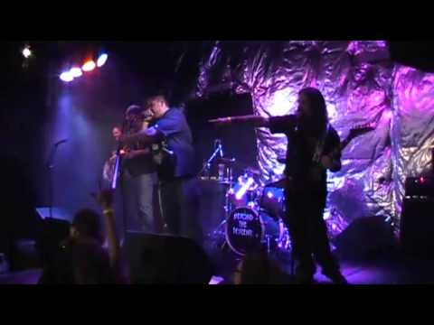 Beyond the Descent - live at the Roxy